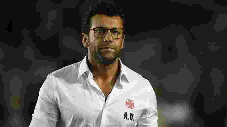 Alberto Valentim tem recebido elogios dos profissionais do Vasco por conta da força defensiva - Thiago Ribeiro/AGIF