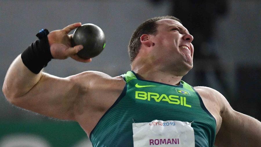 Ouro de Darlan Romani no arremesso de peso é um dos resultados que fazem o COB sorrir - Luis Acosta / AFP