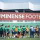"""Três zagueiros e """"novo"""" meio de campo: as escolhas de Oswaldo no Fluminense"""