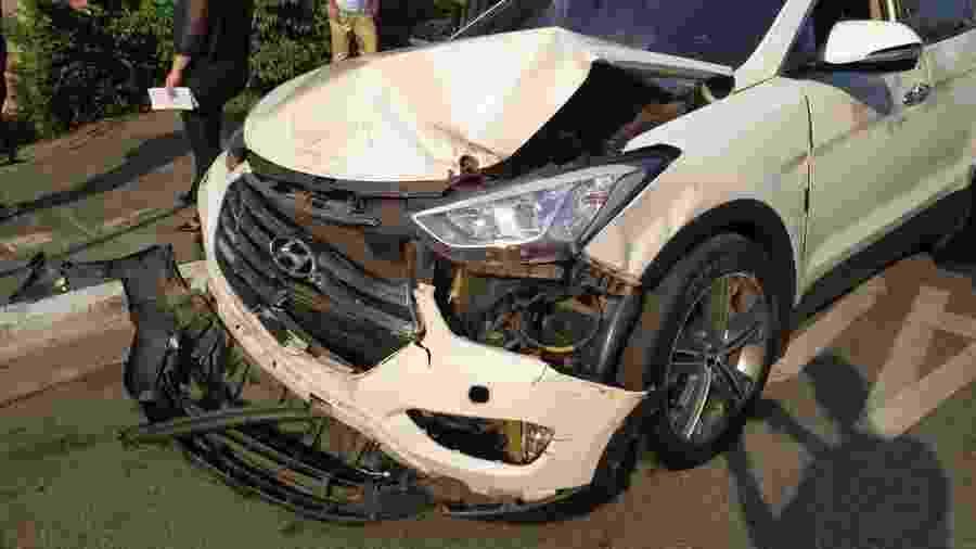 Carro do volante Ralf, do Corinthians, após acidente na zona leste de São Paulo. Veículo já foi periciado  - Lucas Faraldo/UOL