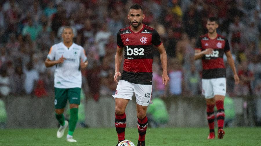 Thiago Maia busca espaço no time do Flamengo, mas mantém tranquilidade no banco - Alexandre Vidal, Marcelo Cortes & Paula Reis / Flamengo