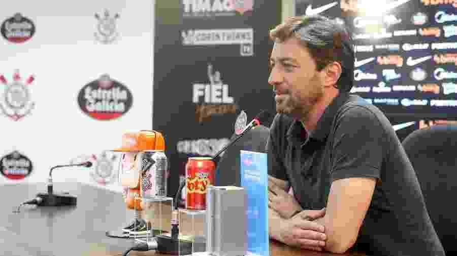 Duílio Monteiro Alves concede entrevista no CT Joaquim Grava: ex-diretor de futebol virou presidente - Rodrigo Coca/Agência Corinthians
