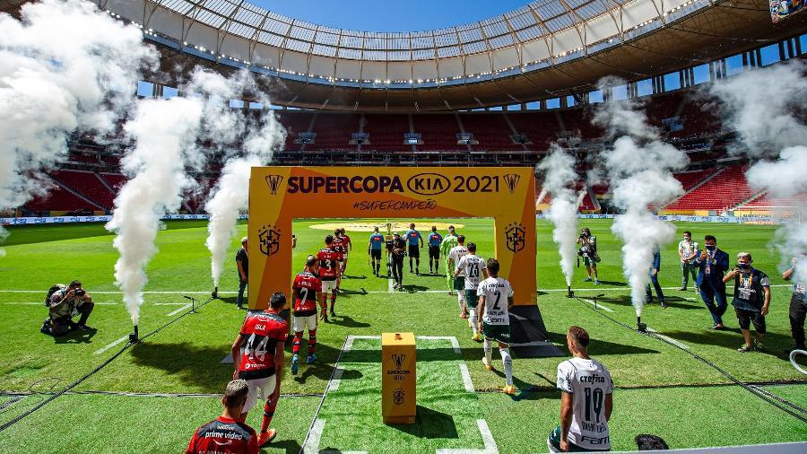 Flamengo e Palmeiras em campo pela Supercopa - Marcelo Cortes / Flamengo