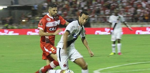 Nenê foi caçado em campo contra o CRB pela Copa do Brasil e recebeu 10 faltas - Carlos Gregório Júnior / Site oficial do Vasco