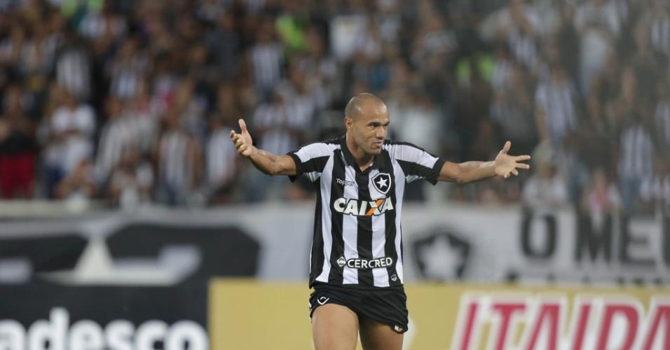 Roger comemora gol do Botafogo contra o Atlético-MG pela Copa do Brasil