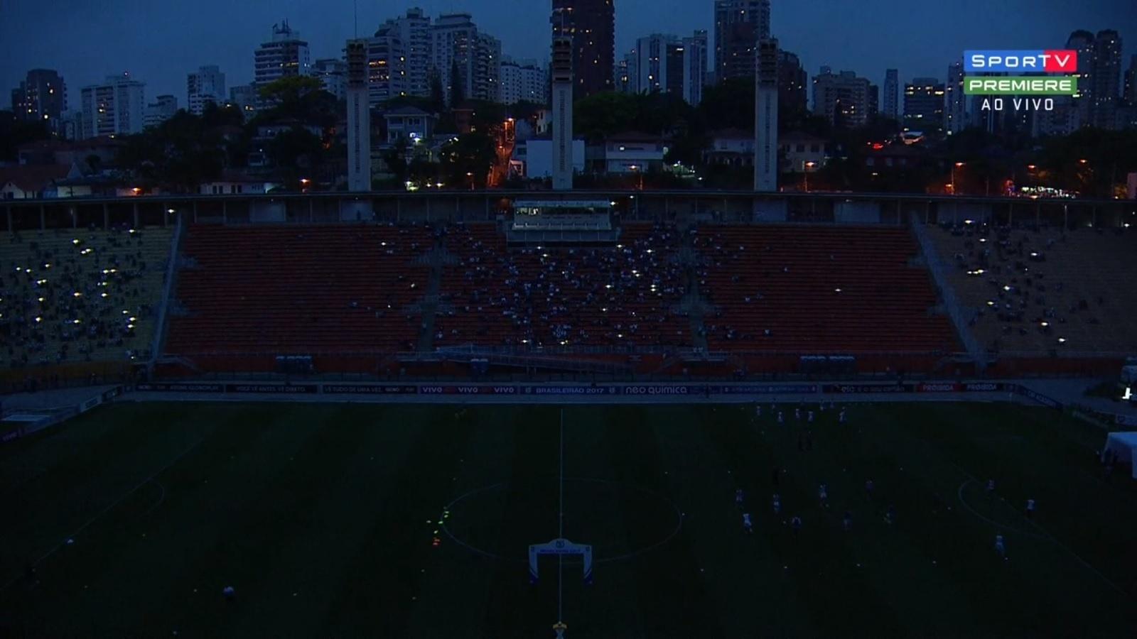 Pacaembu fica sem luz antes do jogo entre Santos e Vitória