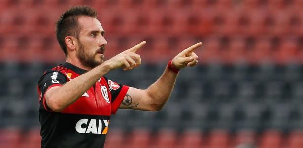 De saída do Flamengo, Mancuello é o sétimo reforço do Cruzeiro para a temporada 2018
