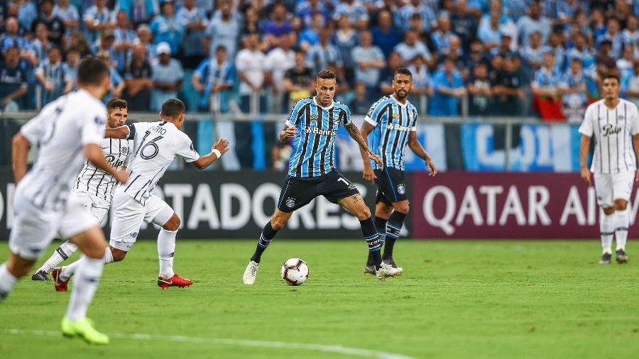 22744b38c9f45 Renato Gaúcho diz que usou aquecimento de reservas para tentar ...