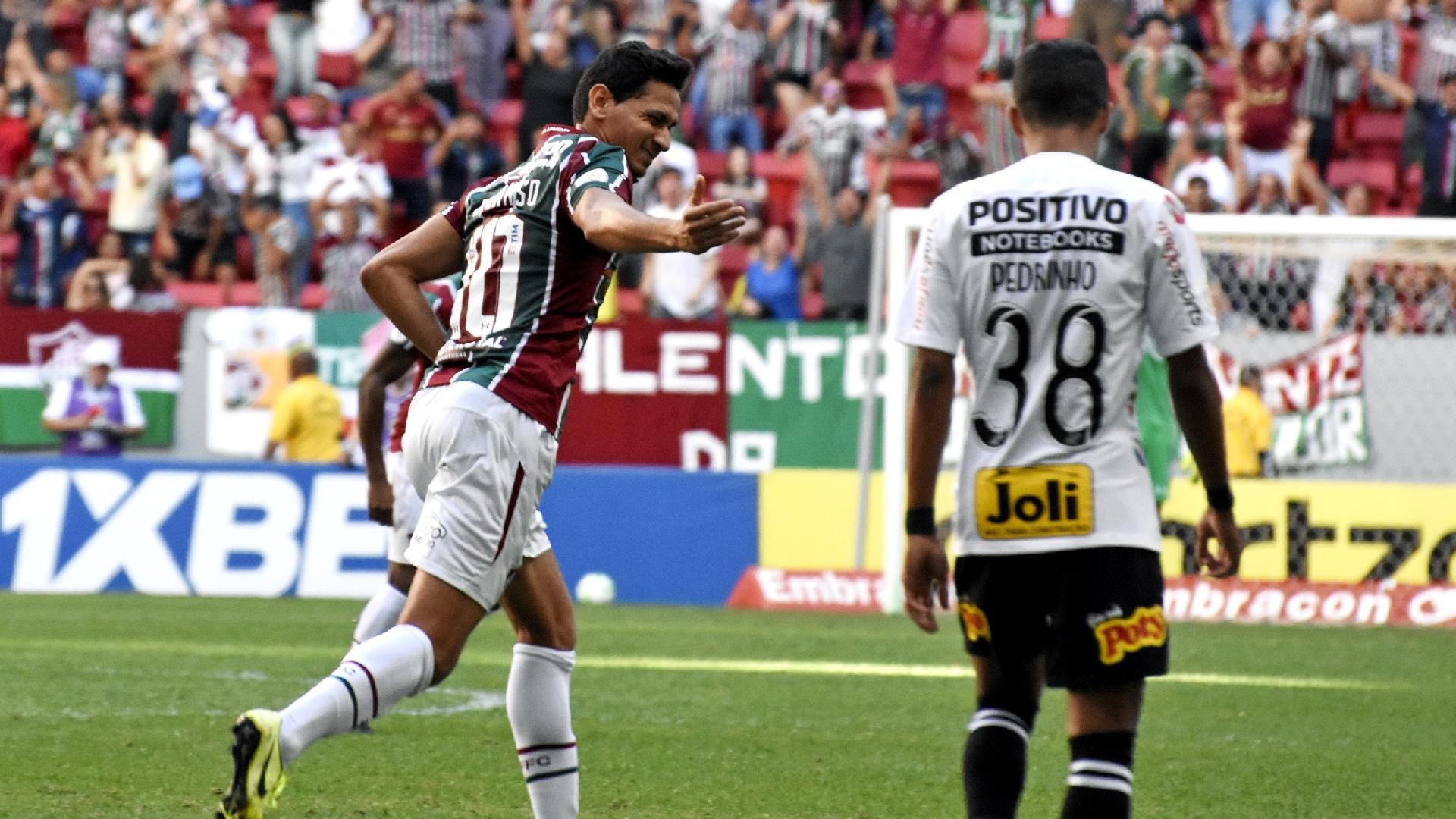 Ganso comemora gol do Fluminense contra o Corinthians