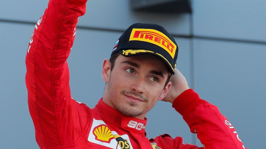 Charles Leclerc no pódio do GP da Rússia - Maxim Shemetov/Reuters