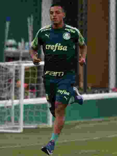 Gabriel Menino atuou como lateral na vitória sobre o Guarani e ganhou pontos com Luxa - Cesar Greco/Ag. Palmeiras