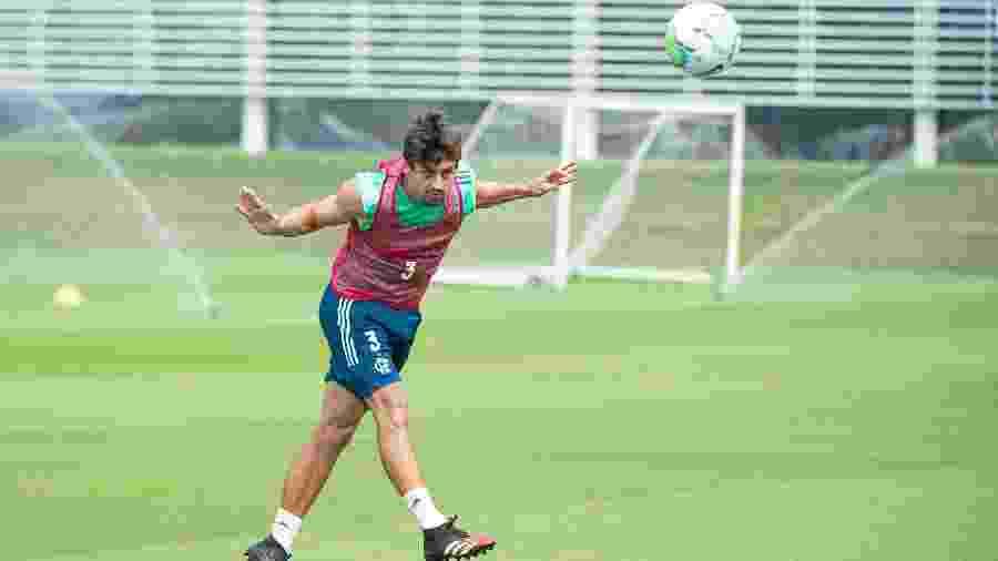 Rodrigo Caio treina no Ninho do Urubu, centro de treinamento do Flamengo. Zagueiro se prepara para voltar - Alexandre Vidal/Flamengo