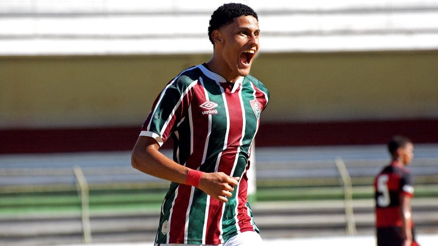 Lucas Felipe comemora o gol do Fluminense Sub-17 contra o Flamengo  - Mailson Santana/Fluminense FC