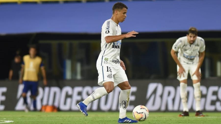 Sandry vinha sendo peça importante no meio de campo do Santos  - Ivan Storti/Santos FC