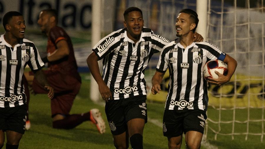 Jean Mota comemora gol do Santos contra o Santo André, pelo Campeonato Paulista - Ettore Chiereguini/AGIF