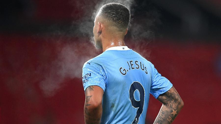 Gabriel Jesus de costas pelo Manchester City - Michael Regan/Getty Images
