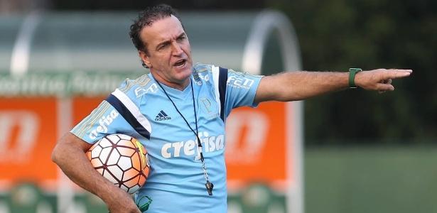 Cuca confirma desfalques e testa variações para o Palmeiras encarar o Atlético-PR