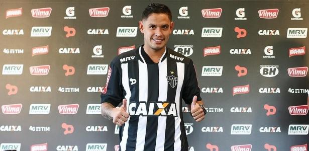 Carlos Eduardo foi contratado pelo Atlético-MG em abril do ano passado