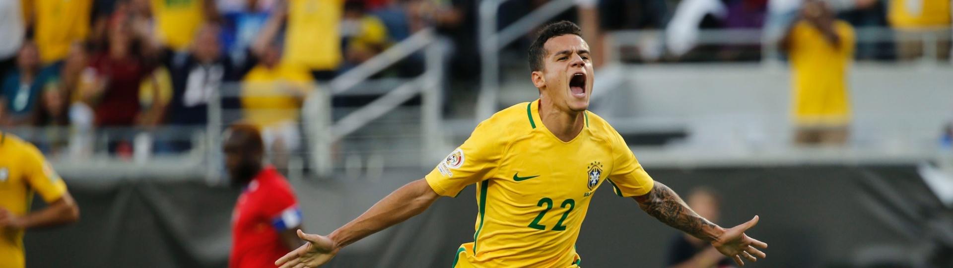 Philippe Coutinho comemora segundo gol do Brasil na partida contra o Haiti pela Copa América