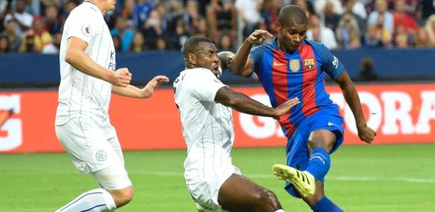 Marlon durante amistoso do Barcelona: contratação em definitivo