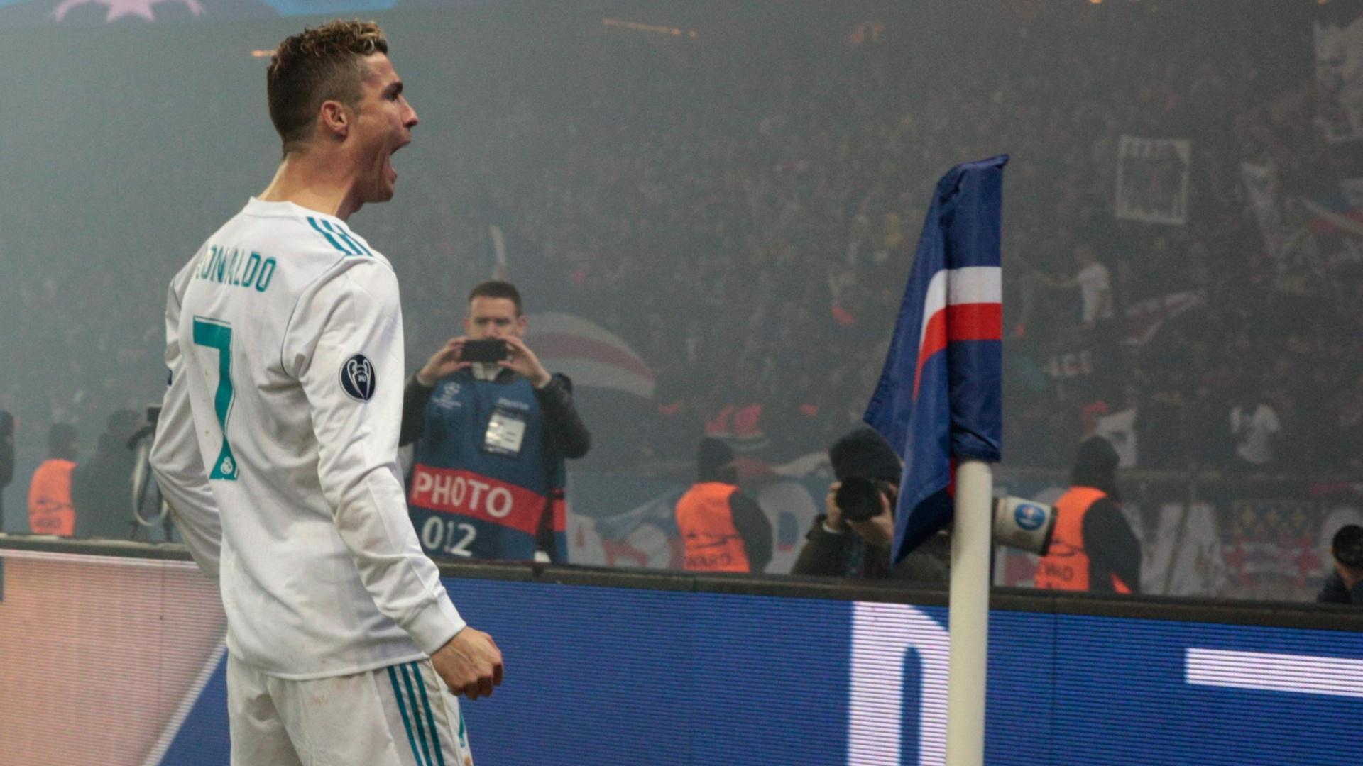 Cristiano Ronaldo comemora gol marcado pelo Real Madrid contra o PSG