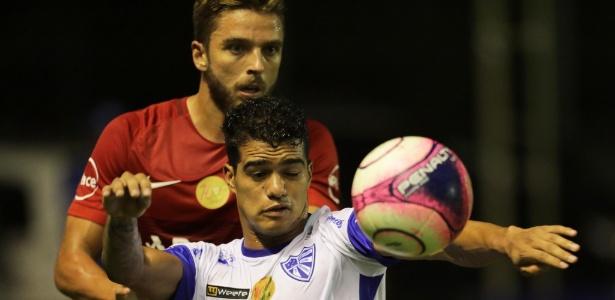 Lance da partida entre Cruzeiro-RS e Internacional, pelo Gaúcho