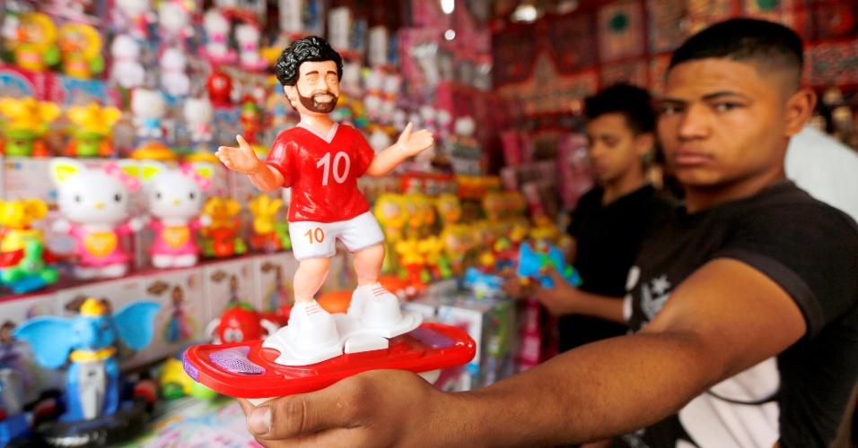 Os mercados da capital do Egito vendem até miniaturas do meia