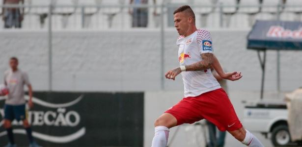 Jobson em ação pelo Red Bull durante jogo contra o Palmeiras - Marcello Zambrana/AGIF