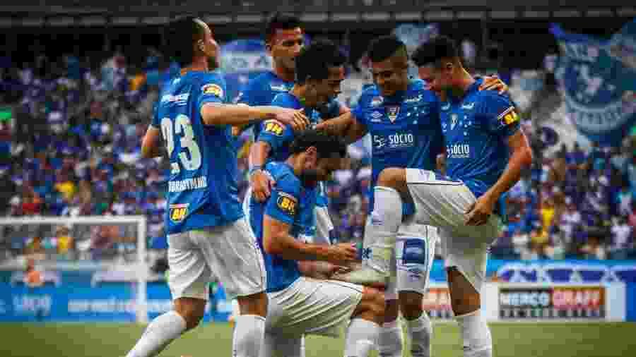 Mano Menezes deverá usar a maioria dos seus jogadores titulares em Patos de Minas - Vinnicius Silva/Cruzeiro
