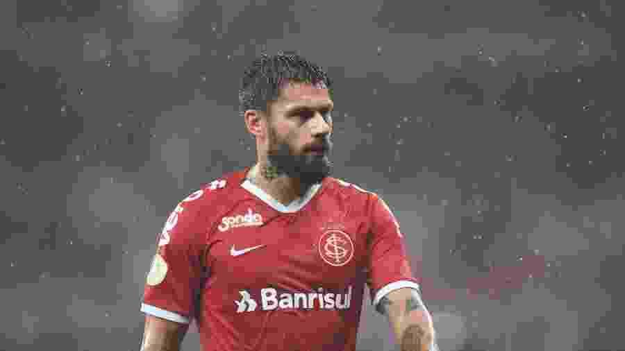 Rafael Sobis voltou a treinar após um edema na coxa esquerda e poderá ser aproveitado - Ricardo Duarte/Inter
