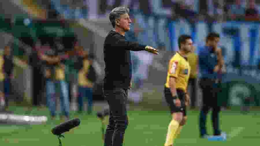 Renato Gaúcho tem problemas para montar o time de olho na partida contra o Flamengo - Lucas Uebel/Grêmio FBPA