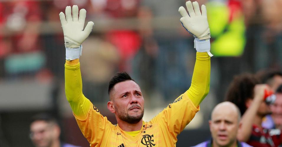 Diego Alves chora após conquista da Libertadores