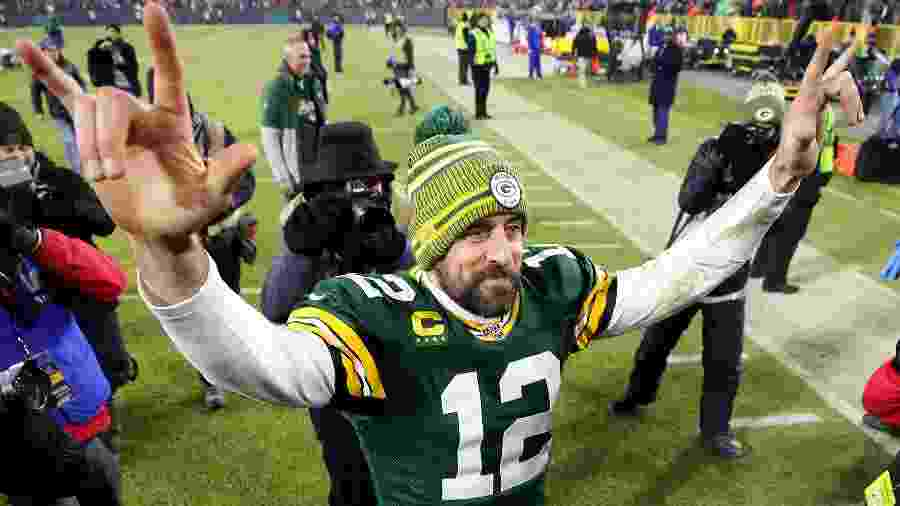 Aaron Rodgers comemora vitória do Green Bay Packers sobre o Seattle Seahawks - Gregory Shamus/Getty Images/AFP