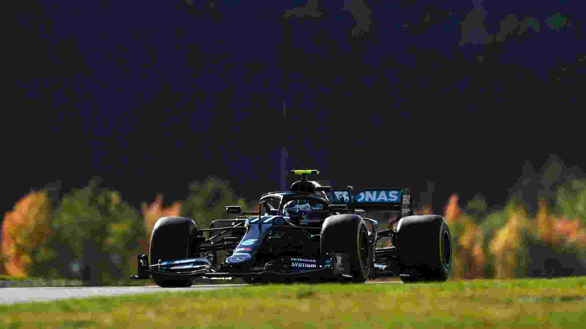 Valtteri Bottas durante o GP de Eifel - Clive Mason - Formula 1/Formula 1 via Getty Images