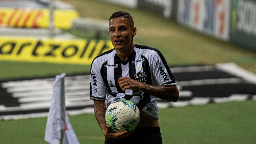 Guilherme Arana comemora gol marcado pelo Atlético-MG em jogo do Brasileirão 2020 - Alessandra Torres/AGIF