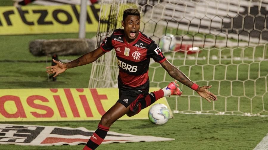 Bruno Henrique comemora gol do Flamengo sobre o São Paulo na última rodada do Brasileirão 2020 - Pedro Martins/UOL