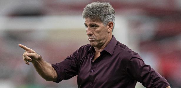 OPINIÃO: Cuca tem mais digitais no ano do Galo que Renato no do Flamengo