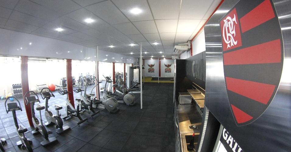 Detalhe da parte interna da sala de musculação no Centro de Excelência em Performance
