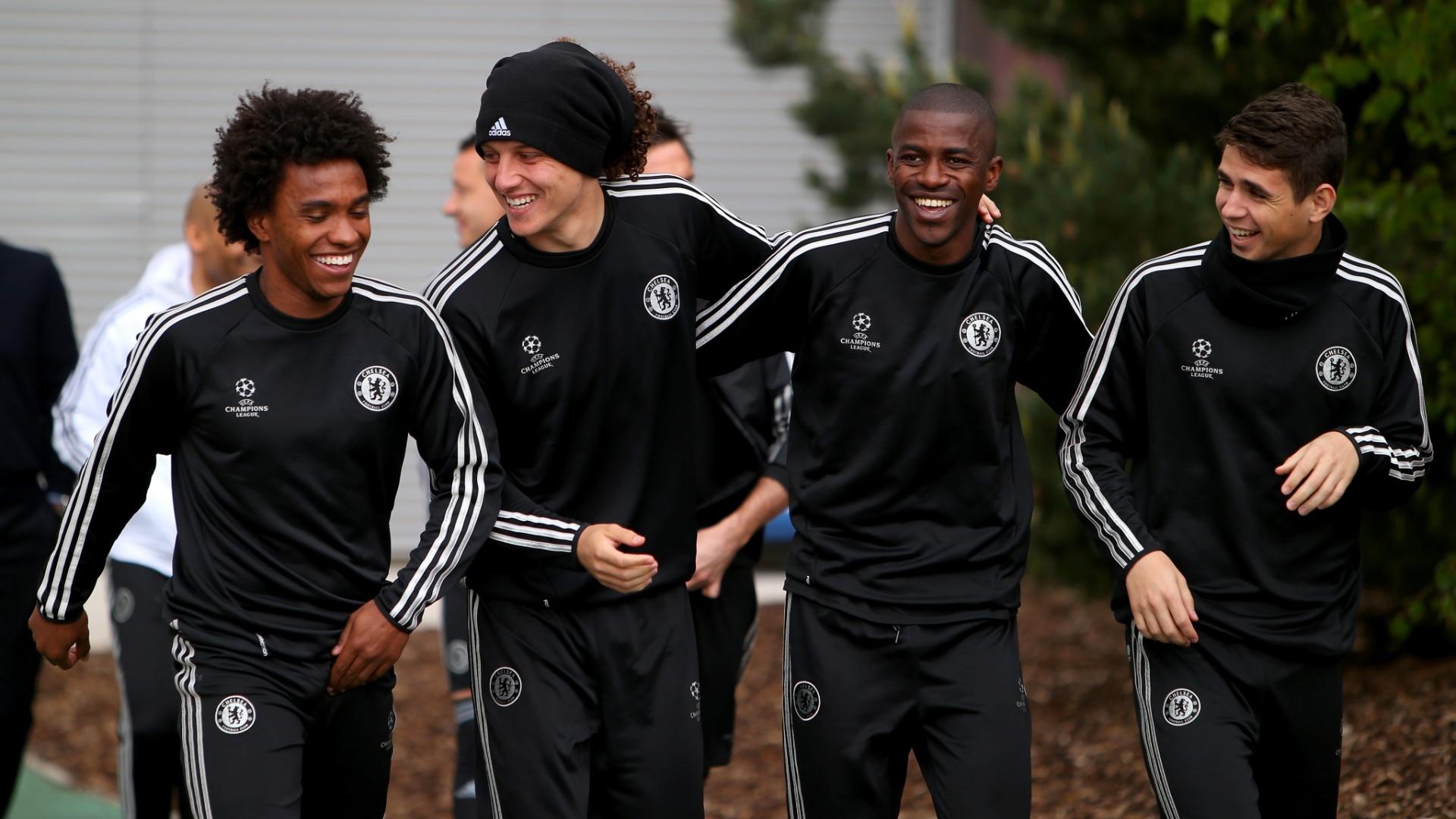 Willian, David Luiz, Ramires e Oscar em treino do Chelsea em 2014