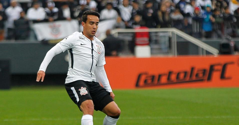 Jadson em ação pelo Corinthians na partida contra o Botafogo