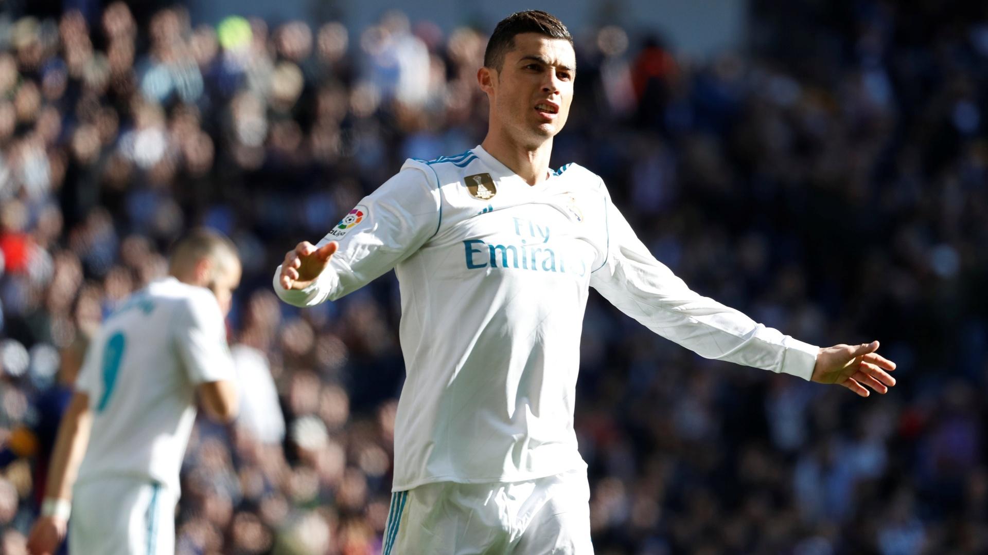 Cristiano Ronaldo em clássico entre Real Madrid e Barcelona
