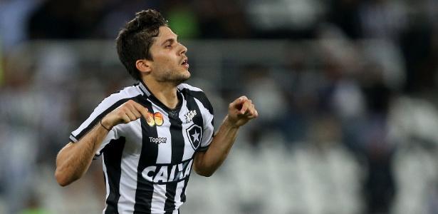 Igor Rebello comemora após marcar pelo Botafogo contra o Palmeiras