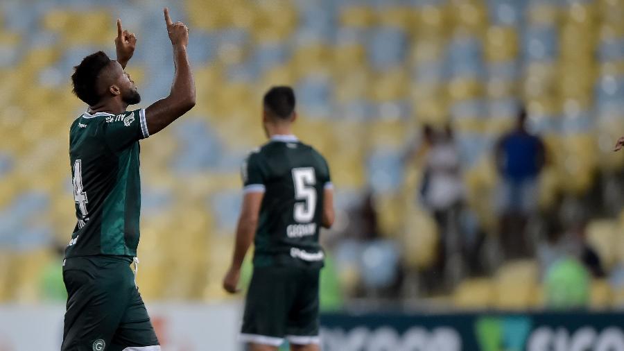 Rafael Vaz comemora na vitória do Goiás sobre o Fluminense na primeira rodada do Brasileirão - Thiago Ribeiro/Agif