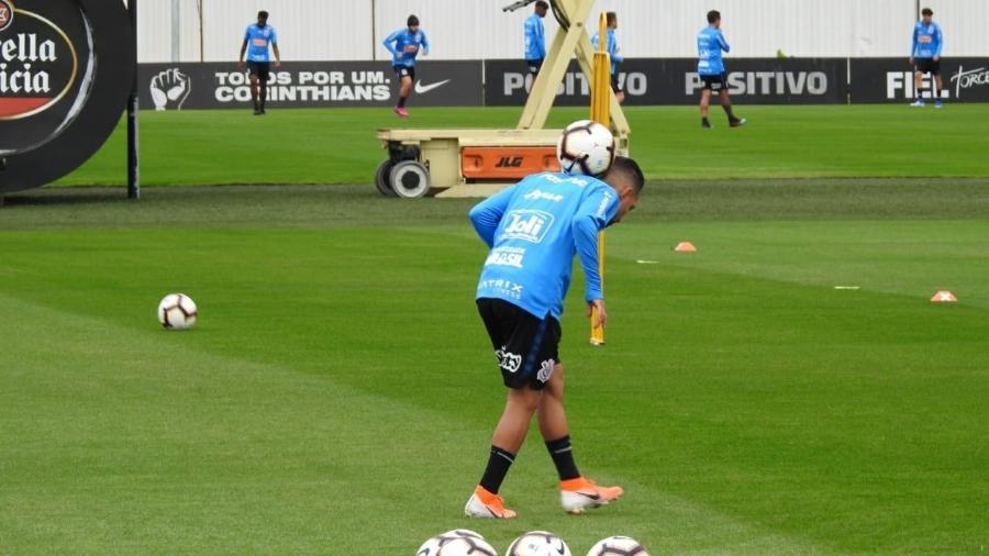 Corinthians prepara Clayson e Love e tem Cássio de volta para Sul-Americana