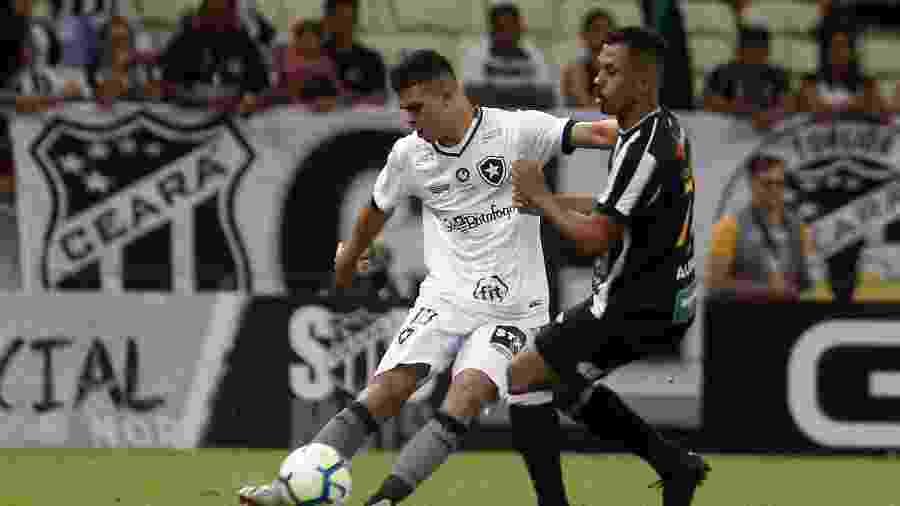 Fernando, durante partida entre Botafogo e Ceará - Vitor Silva/Botafogo