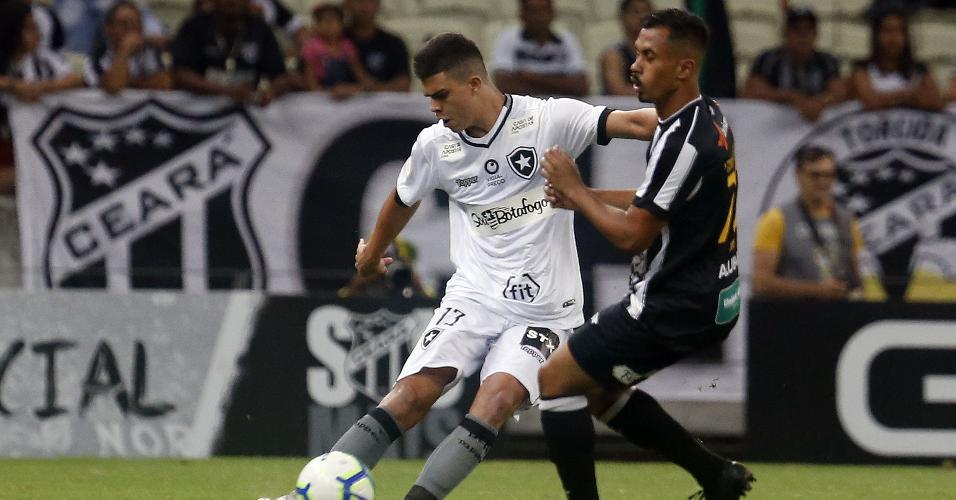 Fernando, durante partida entre Botafogo e Ceará