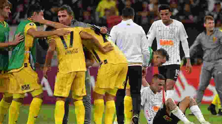 Luan lamenta eliminação do Corinthians pelo Guaraní-PAR na ´pré-Libertadores 2020 - NELSON ALMEIDA / AFP