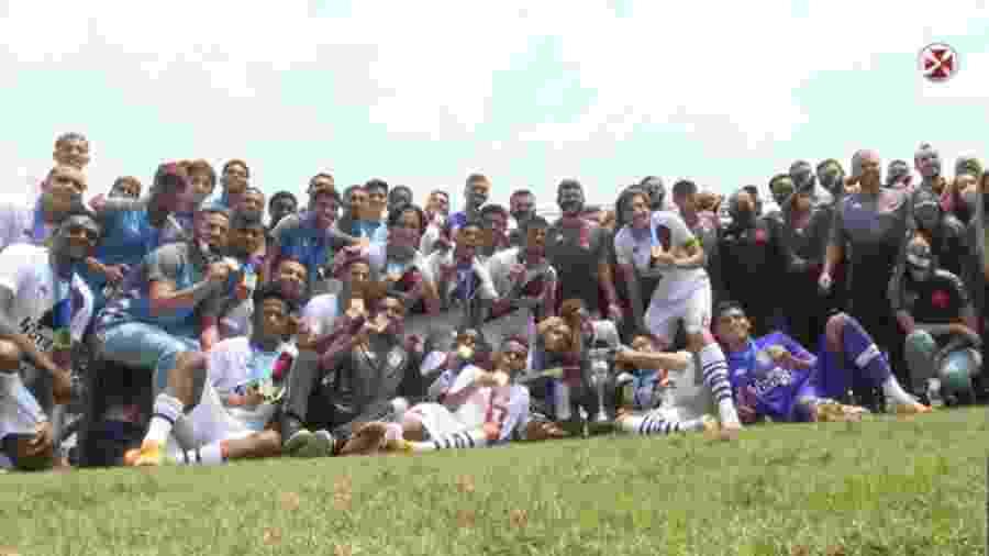 Elenco sub-20 do Vasco comemora o título da Taça Guanabara da categoria em São Januário - Reprodução / Vasco TV