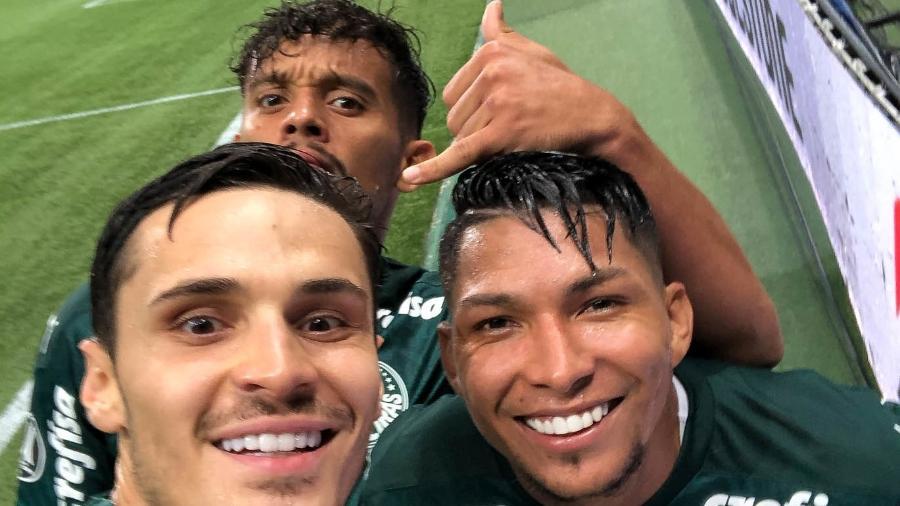 Raphael Veiga, Rony e Gustavo Scarpa comemoram gol do Palmeiras - Raphael Veiga/Palmeiras
