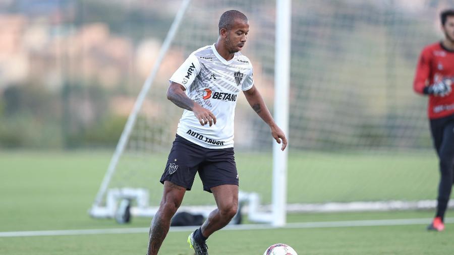 Mariano jogou com Cuca no Fluminense, em 2009, e reencontrou o treinador 12 anos depois - Pedro Souza/Atlético-MG